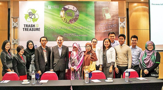 Group photo of the organisers with corporate partners, collaborators and supporting NGOs. – PHO-TOS: DANIAL NORJIDI