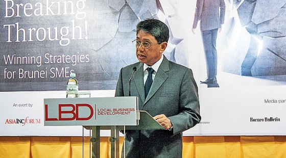 Pehin Orang Kaya Seri Utama Dato Seri Setia Awang Haji Yahya bin Begawan Mudim Dato Paduka Haji Bakar, the Minister of Industry and Primary Resources, delivering his keynote address at the Lo-cal Business Development Forum yesterday. – DANIAL NORJIDI